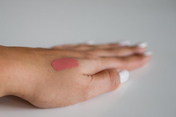 essence - stay matte lipcream - velvet rose-13