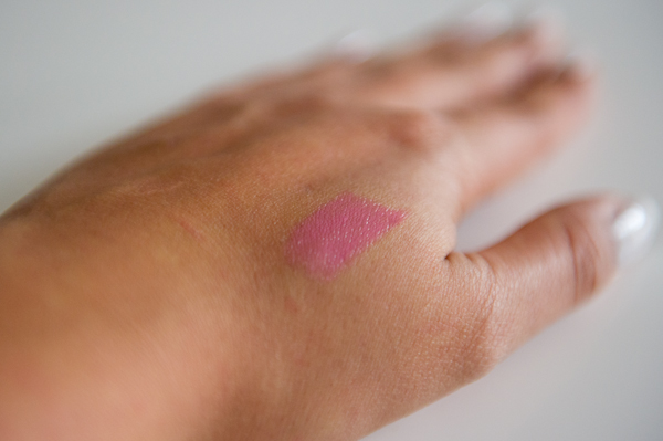 Etos Colour Lipbalm lichtroze review en swatches
