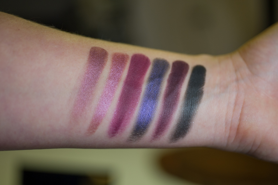 Sleek Vintage Romance swatches