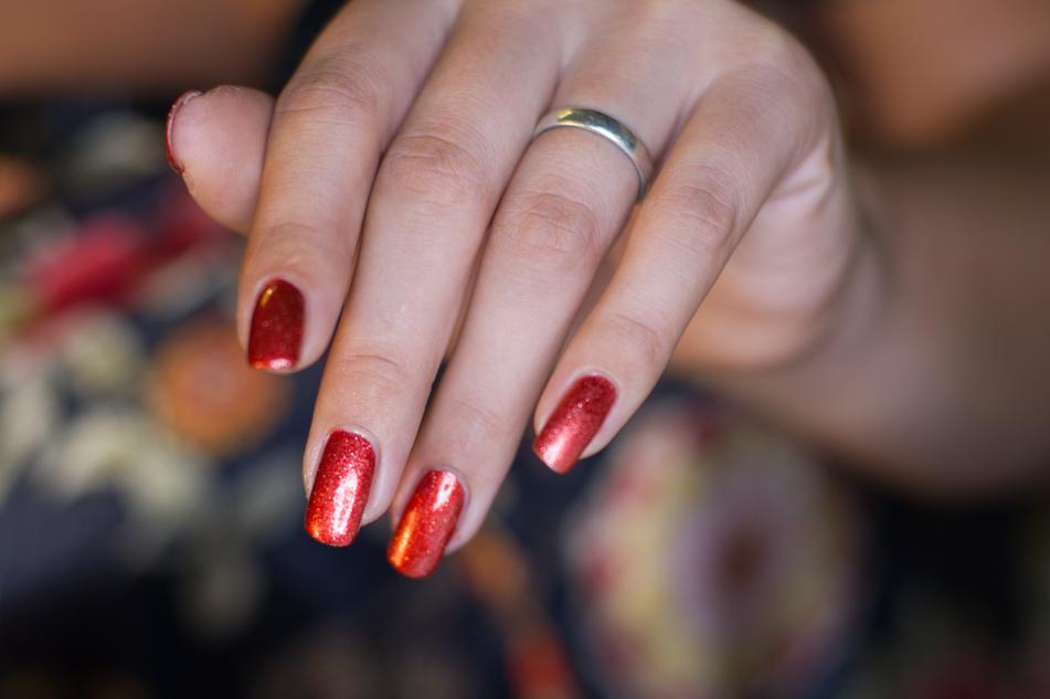 yves-rocher-kerstcollectie-2016-5993-cranberry-scintillant-nagellak-polish